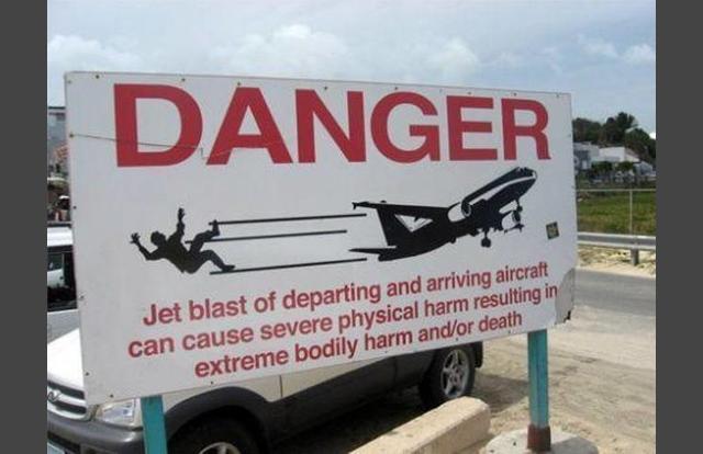 Hilarious Airport Photos - SoGoodly
